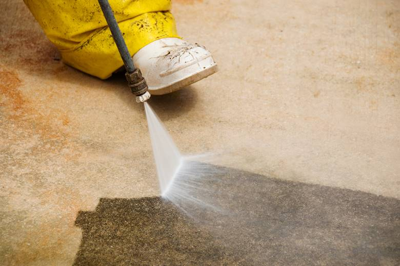pressure cleaning concrete in fremantle.